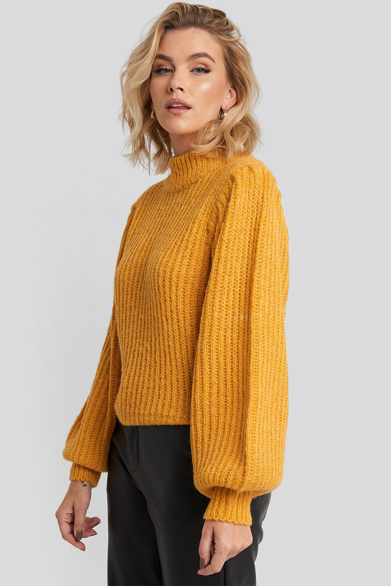 na-kd -  Puff Sleeve Knitted Sweater - Yellow