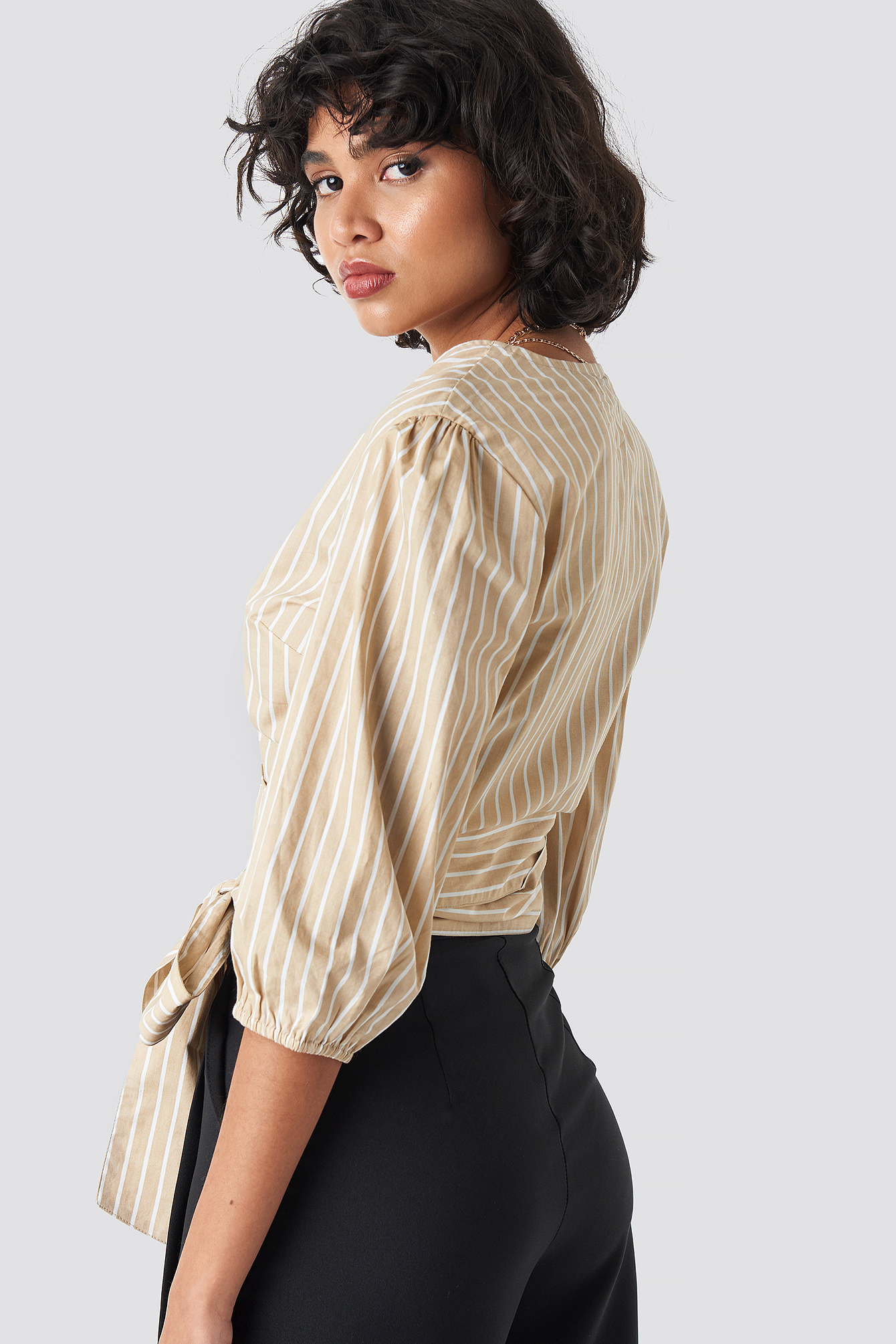 Puff Sleeve Wrap Crop Top NA-KD.COM
