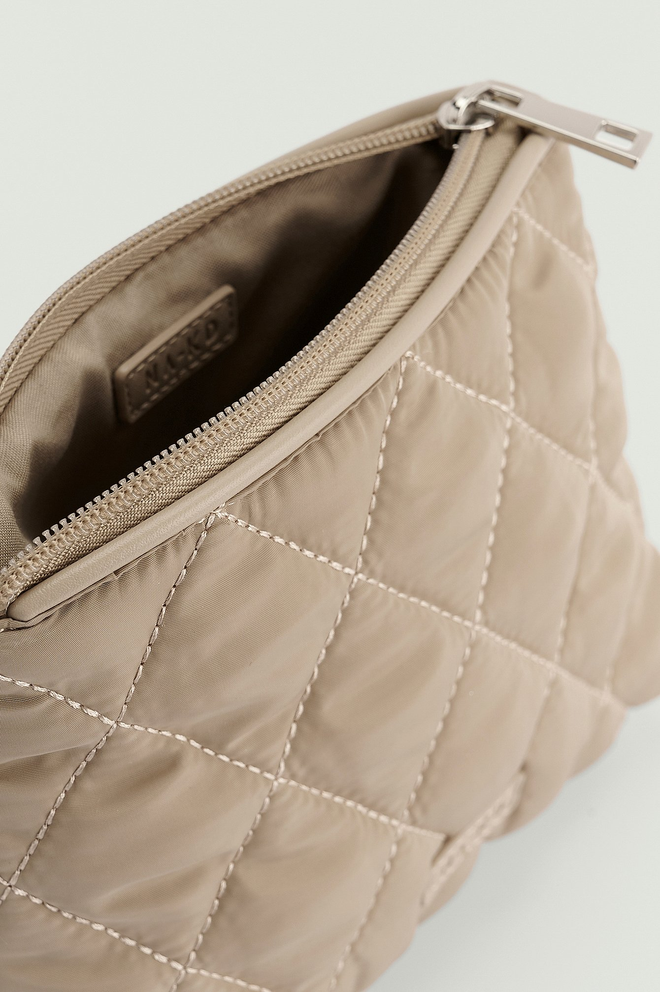NA-KD Accessories Quilted Make Up Bag - Beige