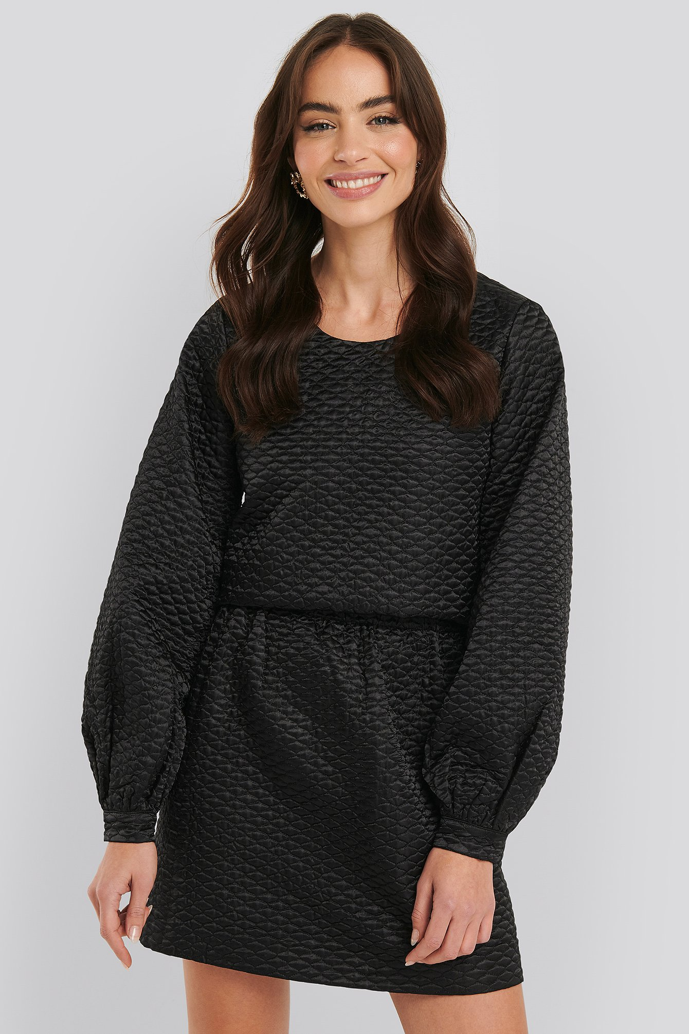 na-kd trend -  Quilted Mini Satin Skirt - Black