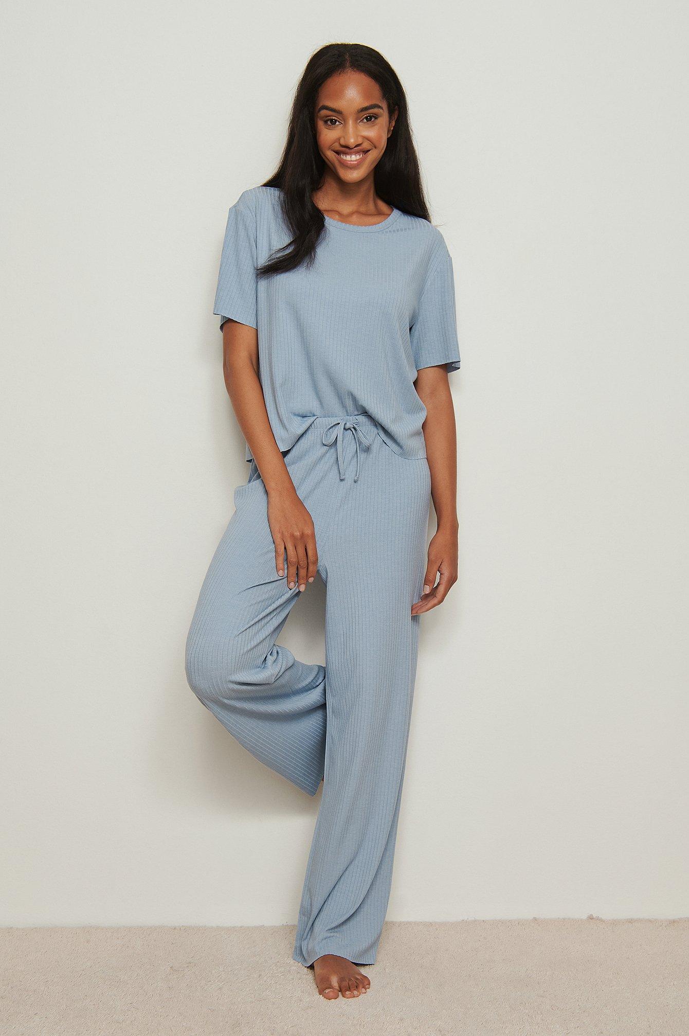 NA-KD Basic Ribbede bukser i genanvendt materiale med rå kant - Blue