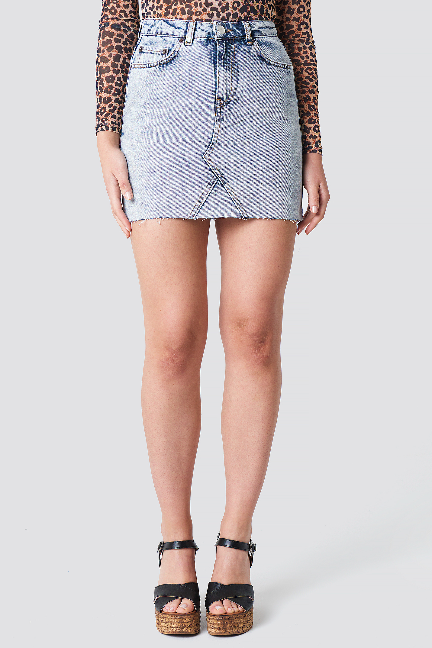 Basic Raw Hem Denim Skirt NA-KD.COM