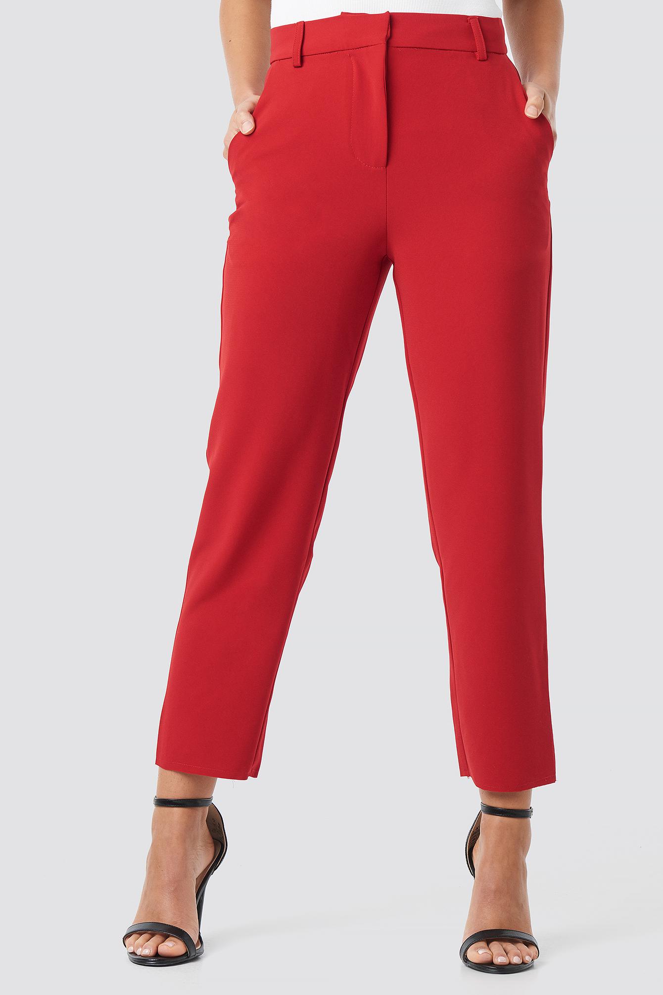 Spodnie z surowo wykończonymi nogawkami NA-KD.COM
