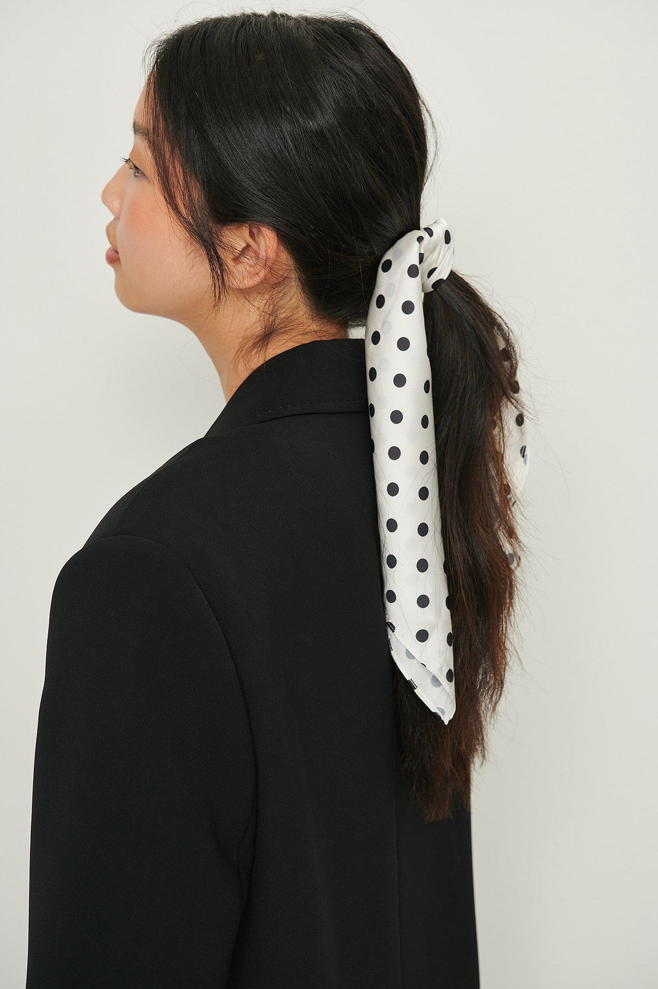 na-kd accessories -  Bedrucktes Haartuch Aus Recyceltem Material - White