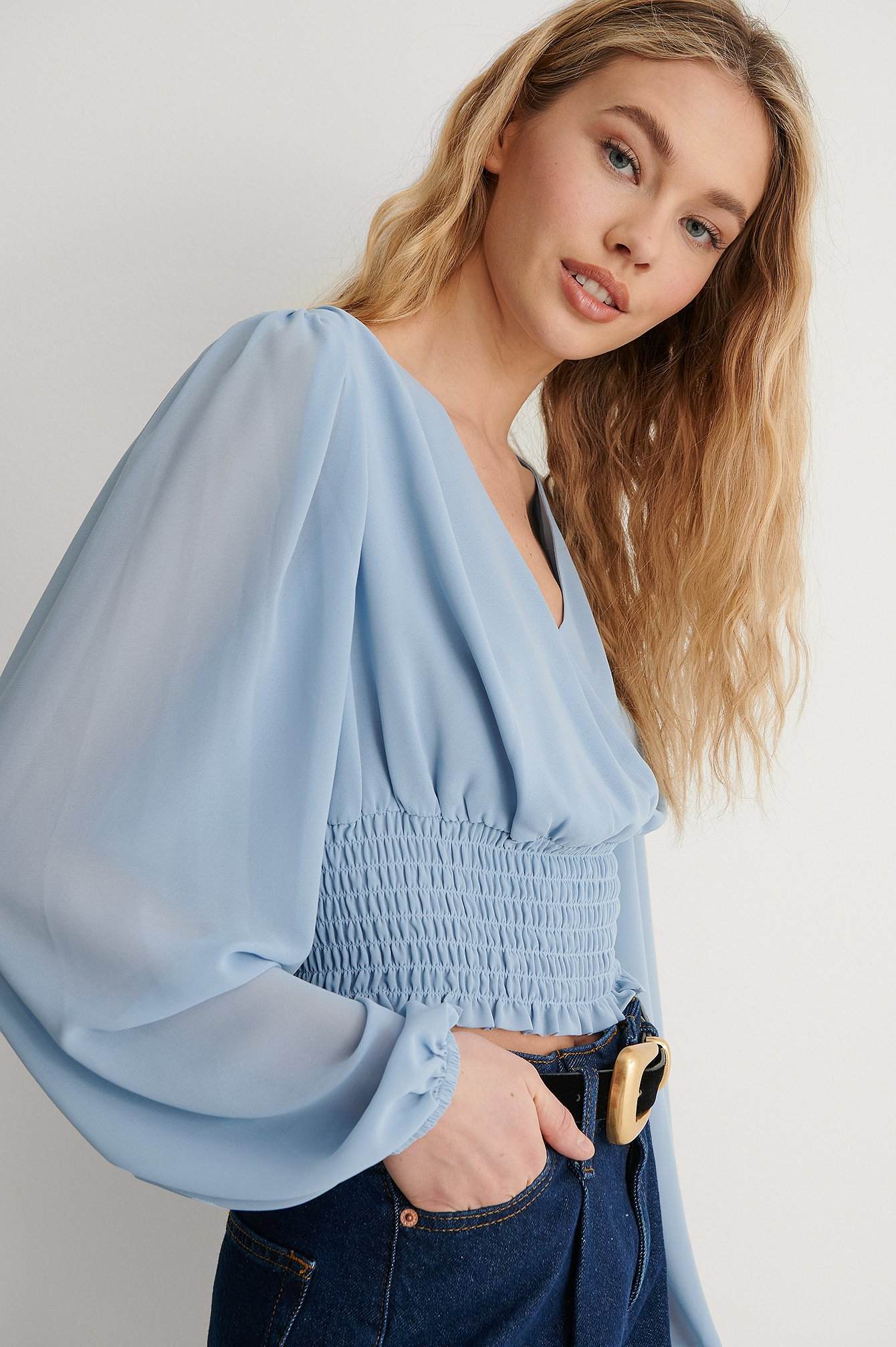 Dusty Blue Recycled Vid Blus Med Smock I Midjan