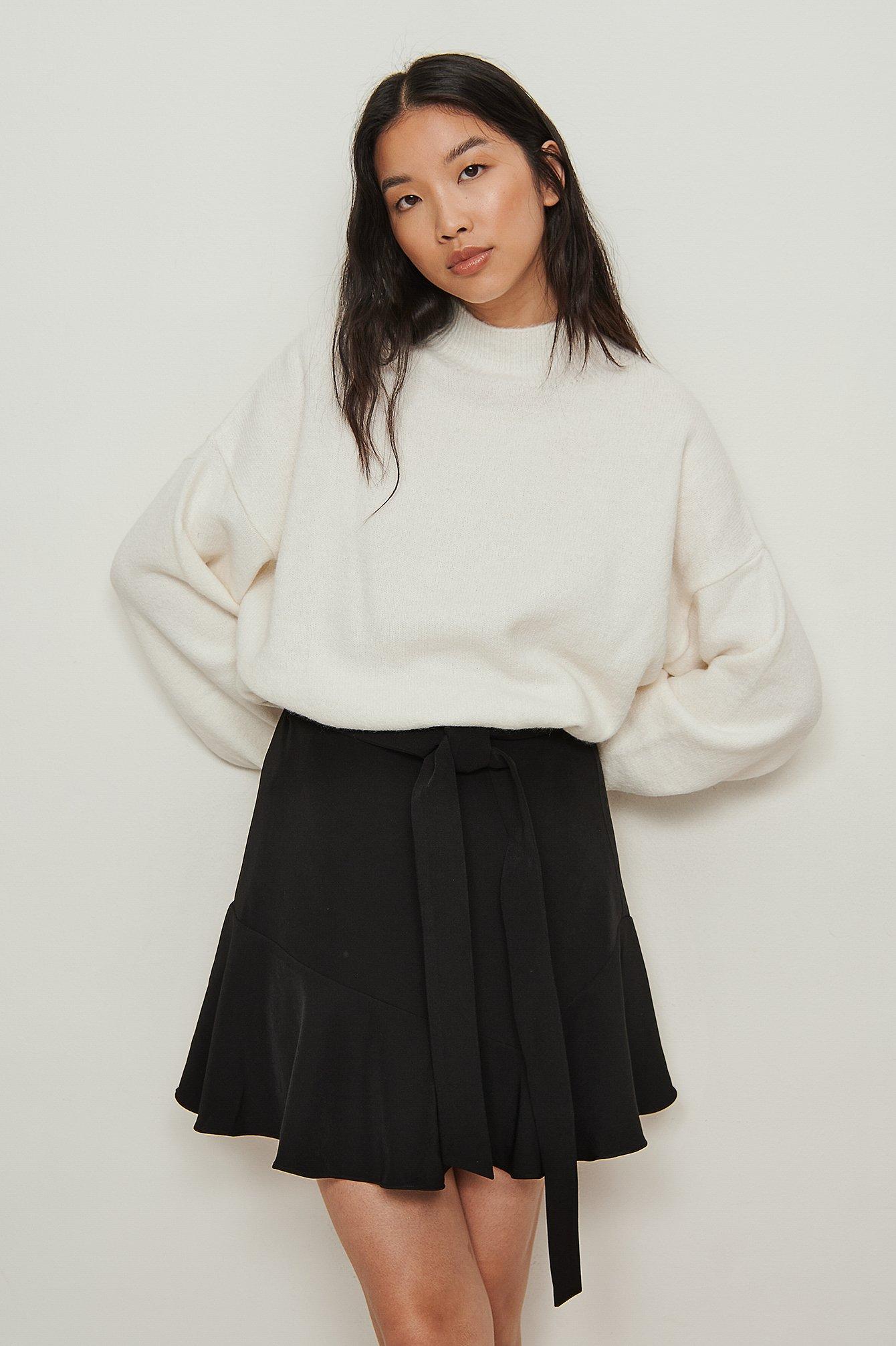 NA-KD Nederdel i genanvendt materiale med vidde og taljebinding - Black