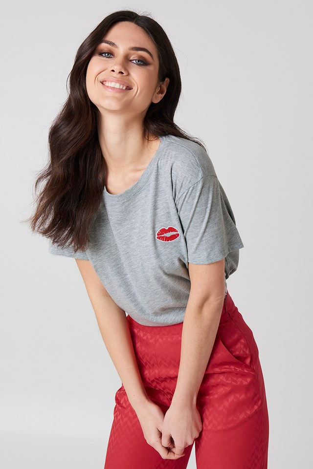 Red Lips Tee Grey Melange
