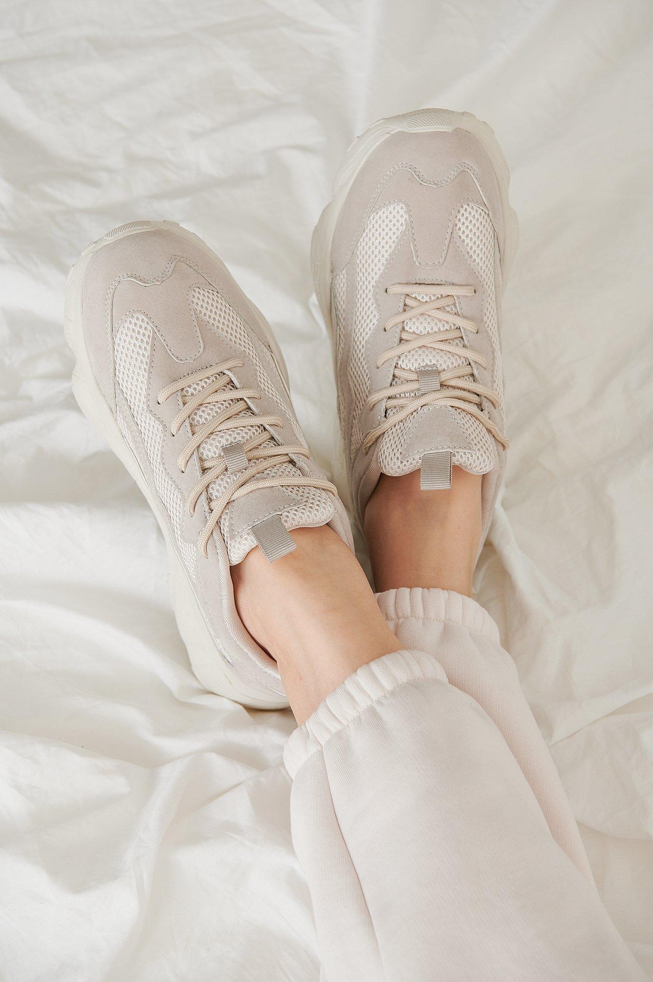 na-kd shoes -  Trainingsschuhe Mit Reflektor-Detail - Beige