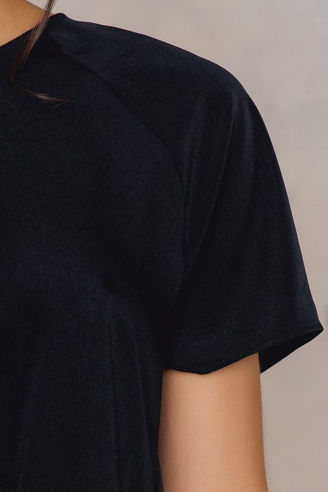 Reglan Sleeve Front Knot Top Black