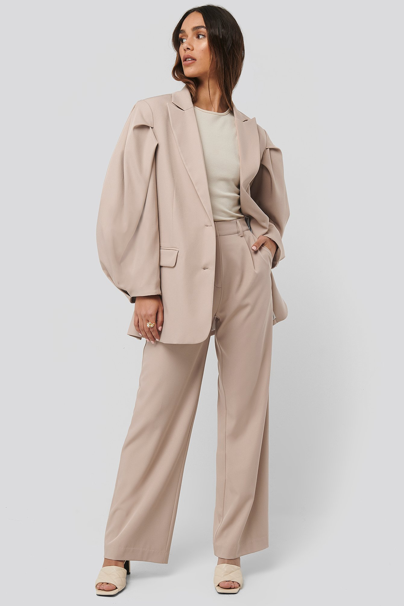 na-kd classic -  Relaxed Fit Suit Pants - Beige