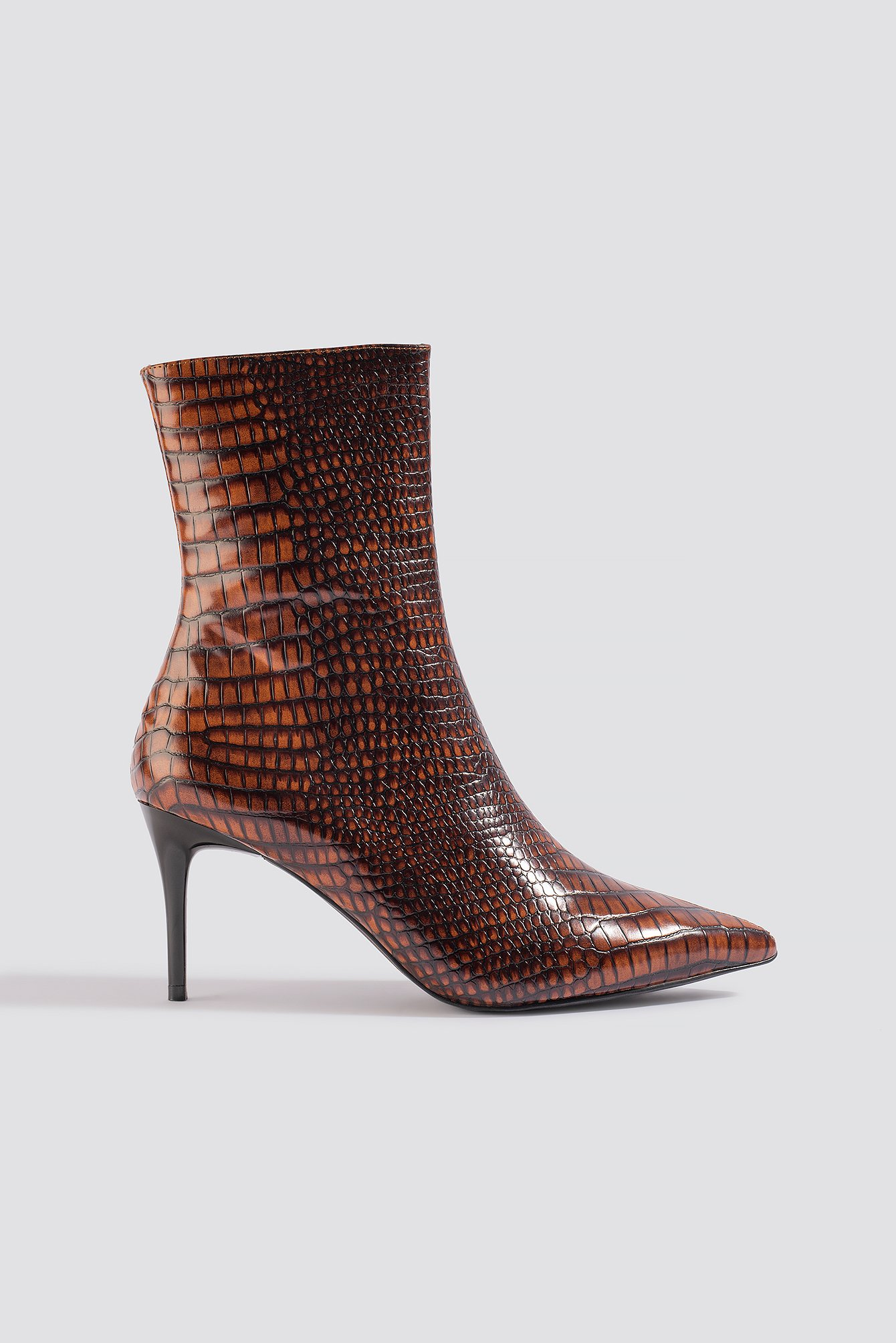 na-kd shoes -  Reptile Pointy Boots - Brown