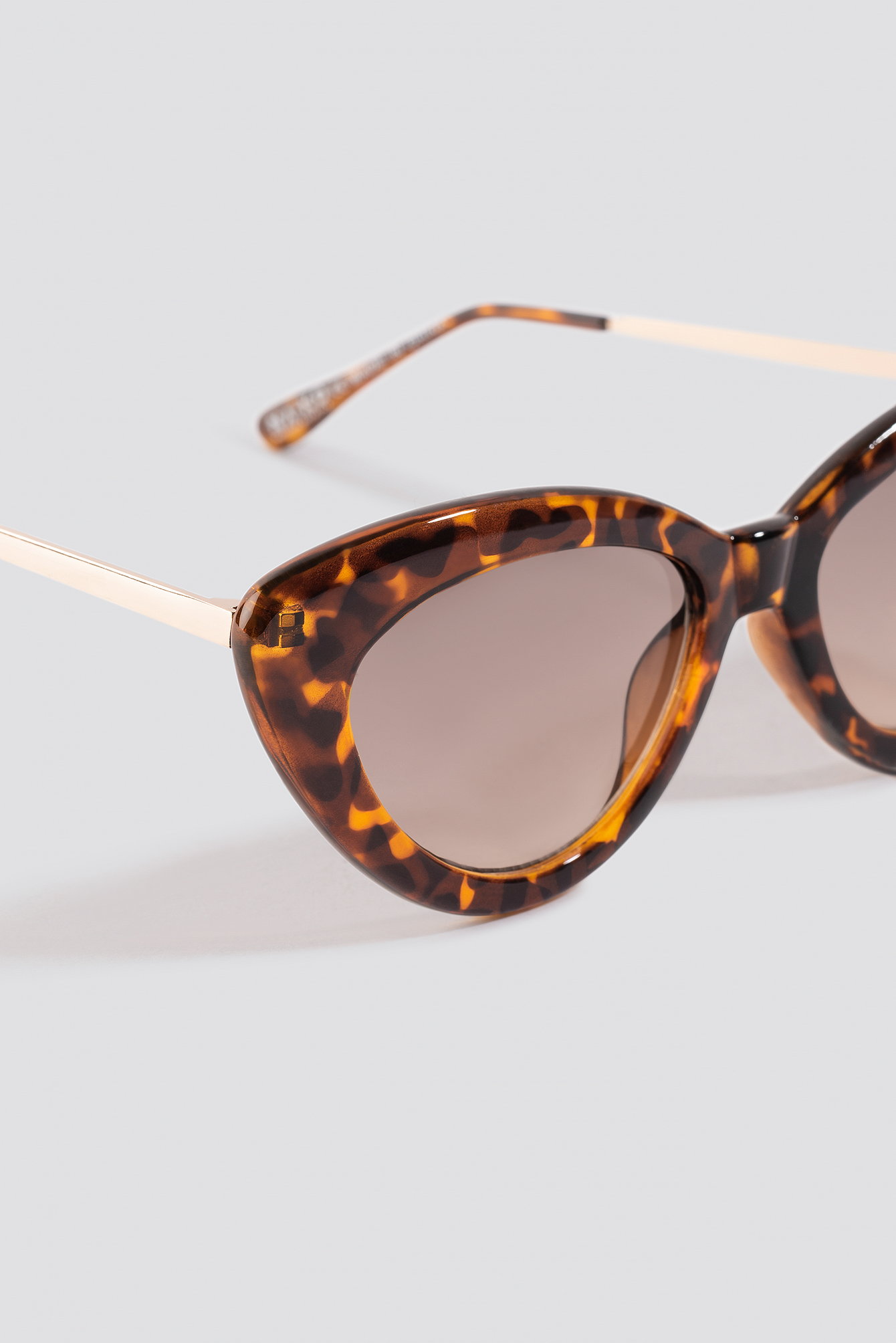 Retro Cat Eye Sunglasses NA-KD.COM
