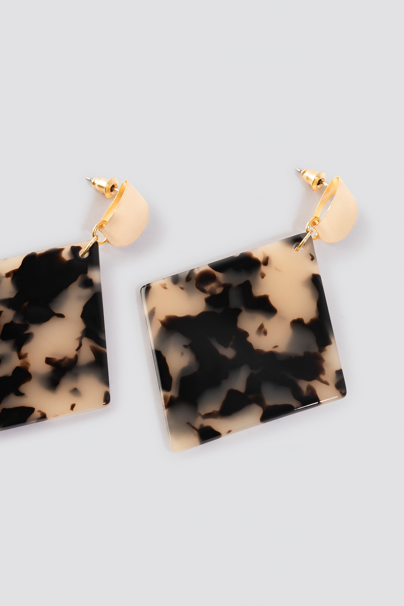 Rhombus Resin Drop Earrings NA-KD.COM