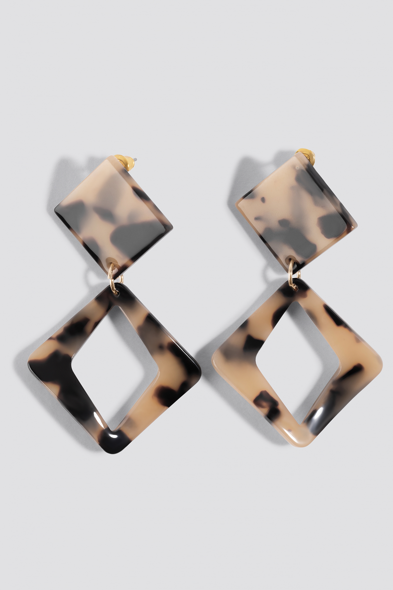 Rhombus Tortoise Earrings NA-KD.COM