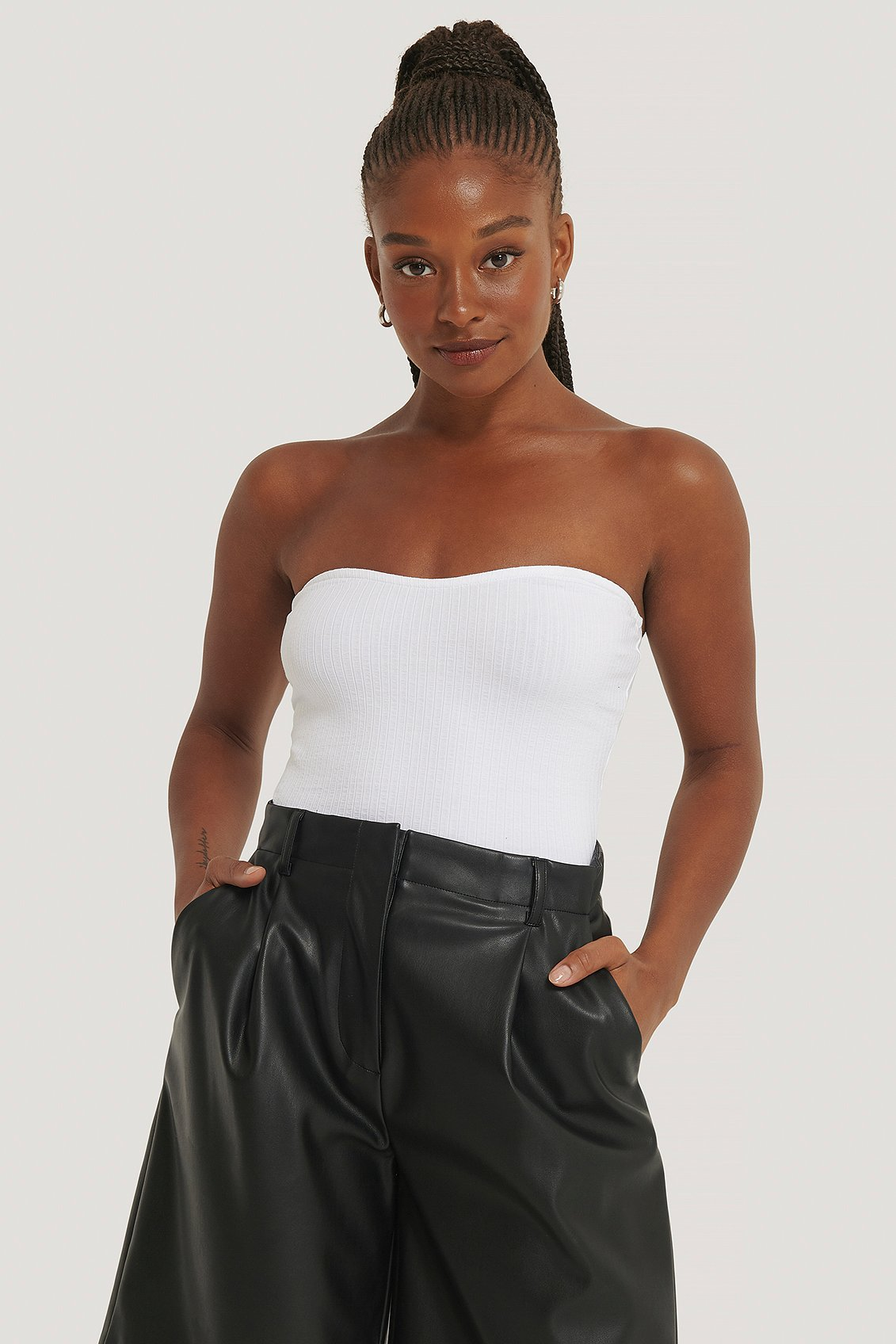 na-kd trend -  Geripptes Bustier-Top - White