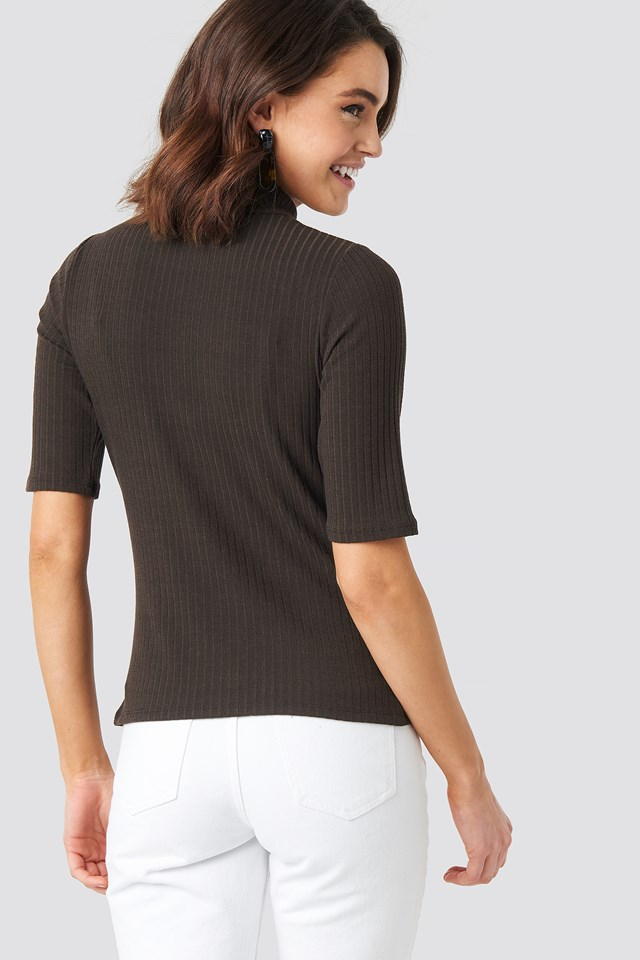 Ribbed High Neck Top NA-KD.COM
