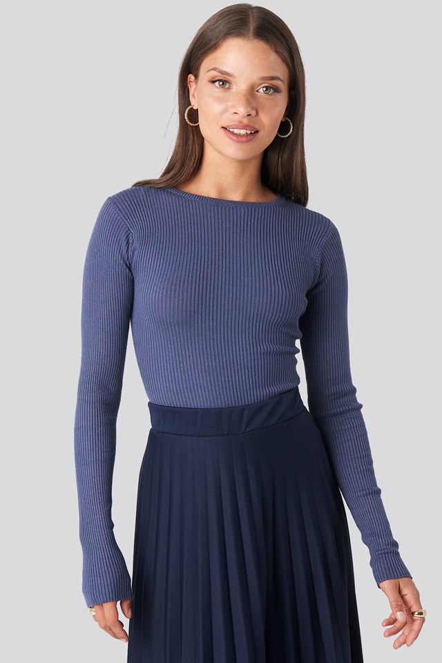 Ribbed Knitted Round Neck Sweater Blue
