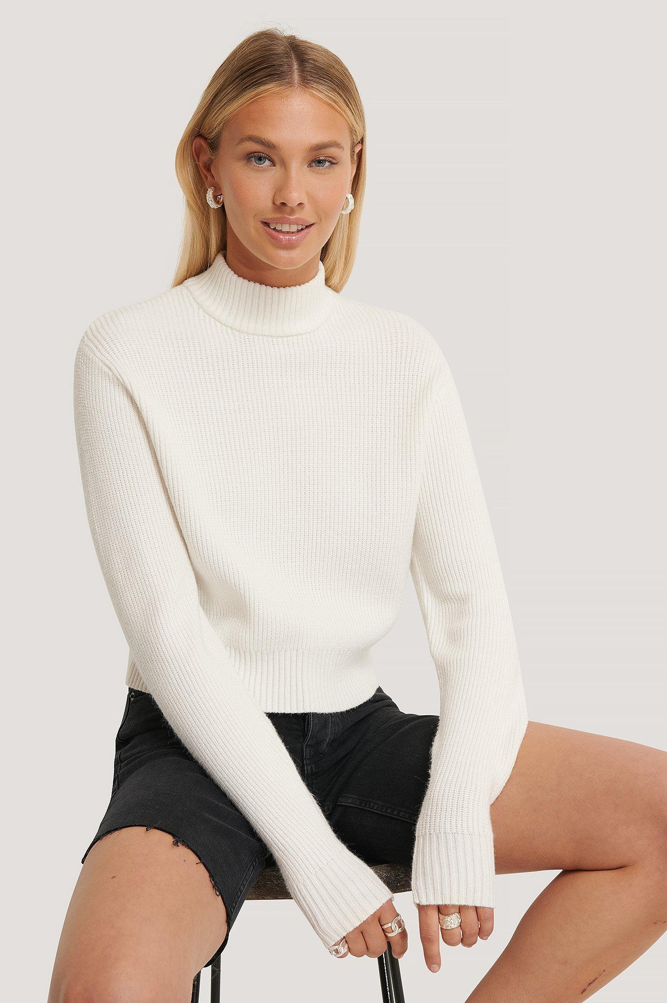 Offwhite Ribbed Neck Knitted Sweater