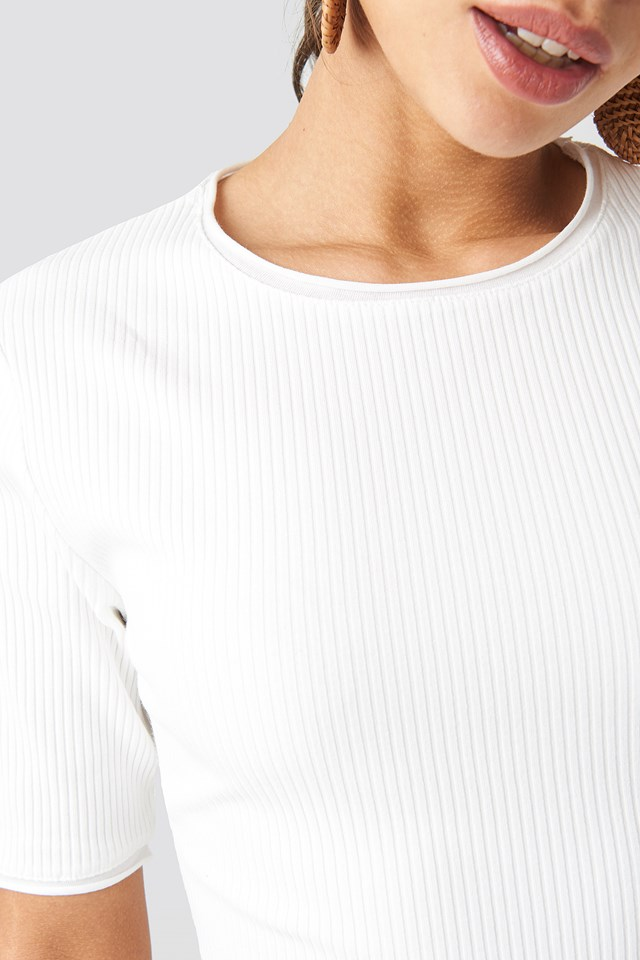 Ribbed Round Neck Cropped Top NA-KD.COM