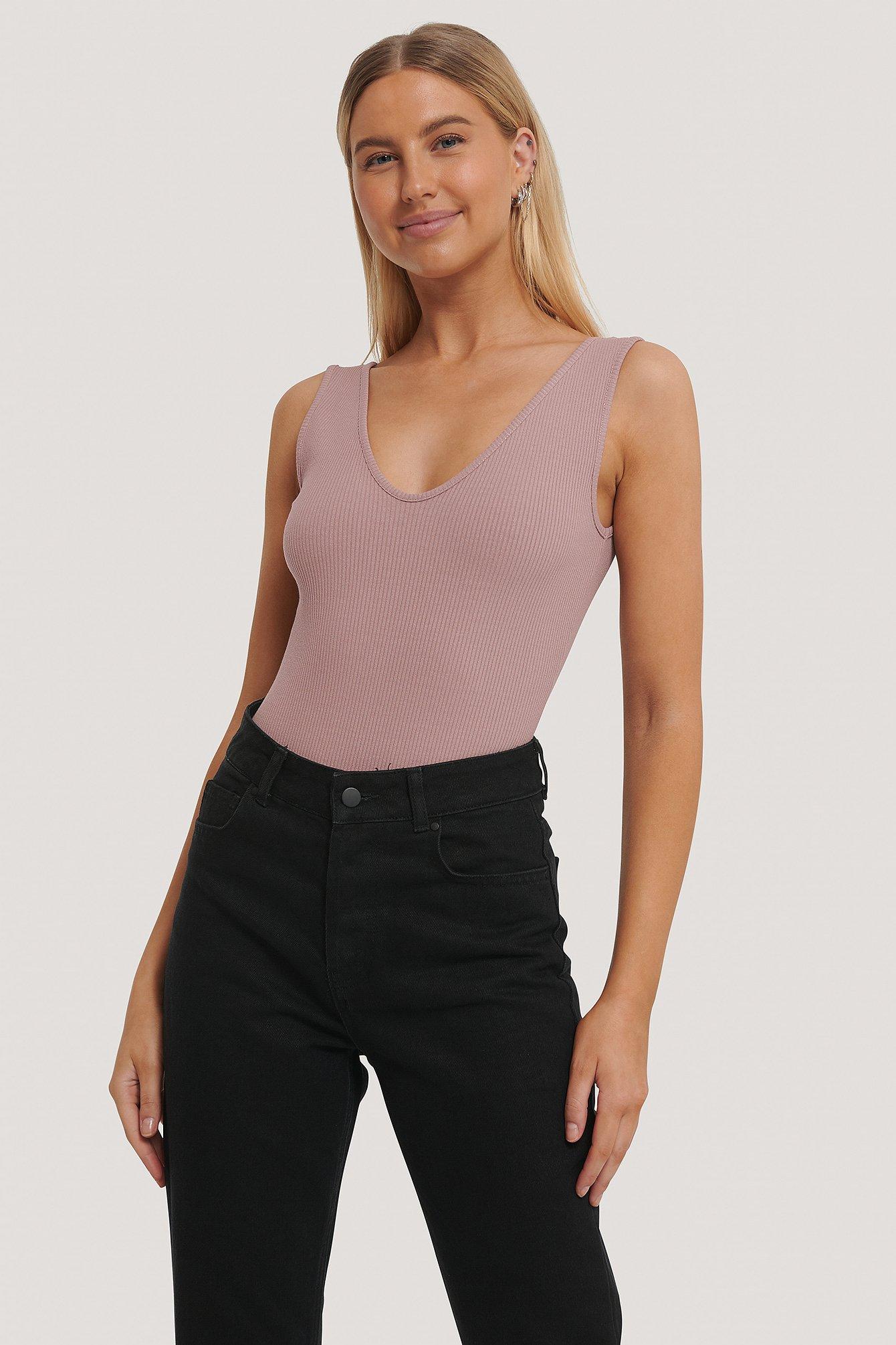 na-kd reborn -  Gerippter Body Mit V-Ausschnitt - Pink