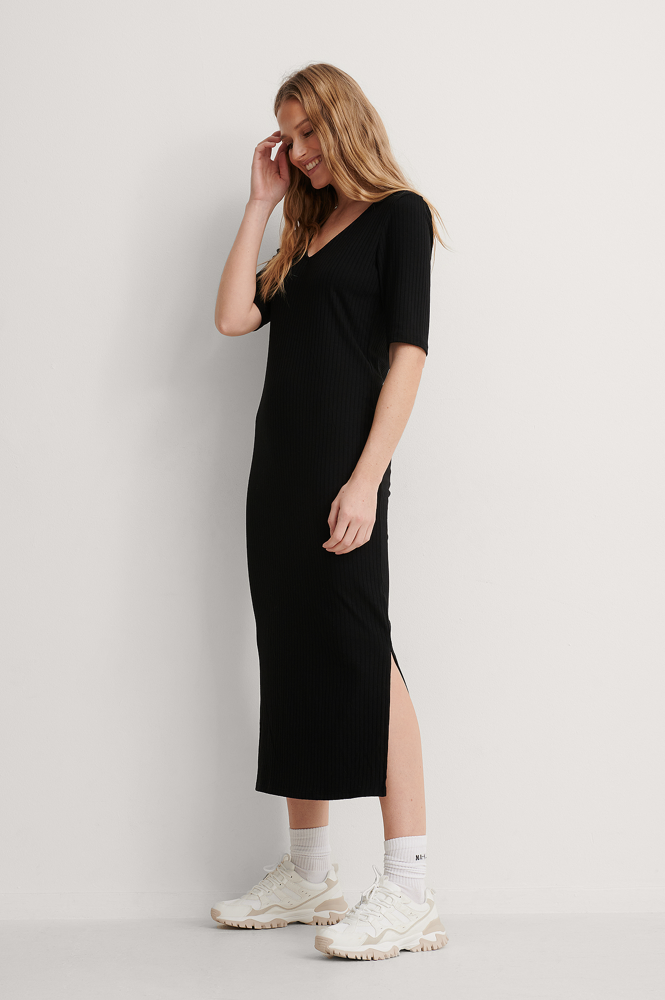 NA-KD Basic Ribbed V-Neck Jersey Midi Dress - Black