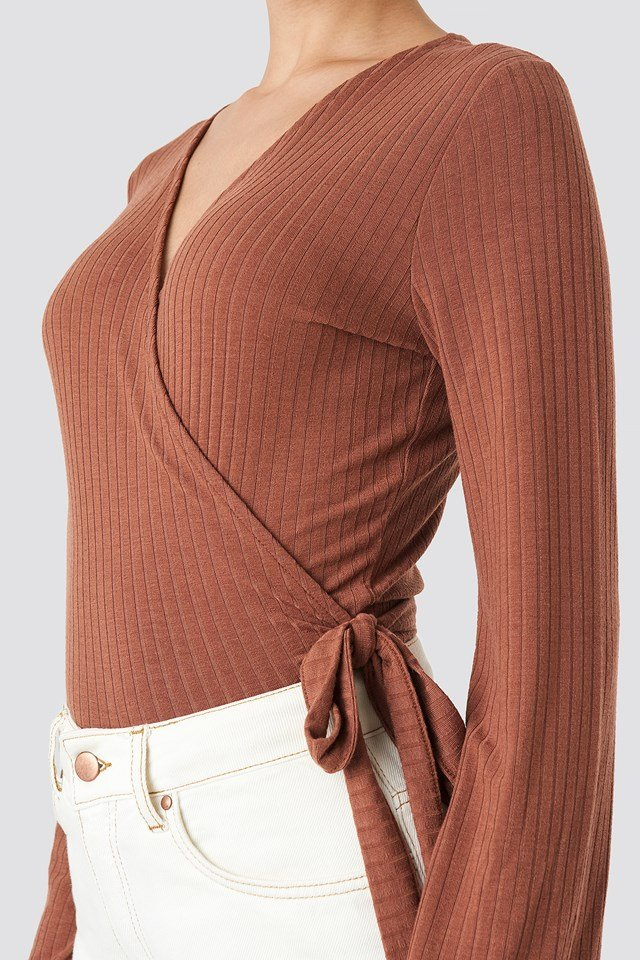 Ribbed Wrap Tie Top Brown