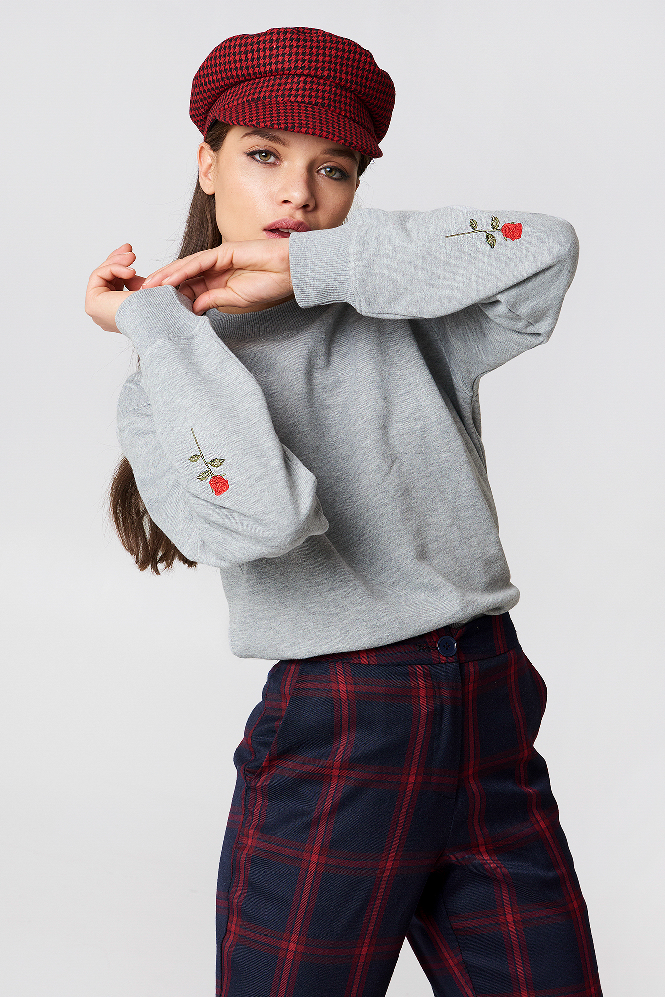 Rose Elbow Embroidery Sweater NA-KD.COM