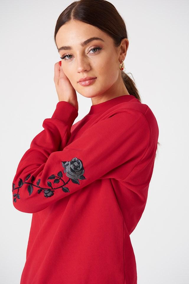 Bluza z wyszywanymi różami na rękawach Red