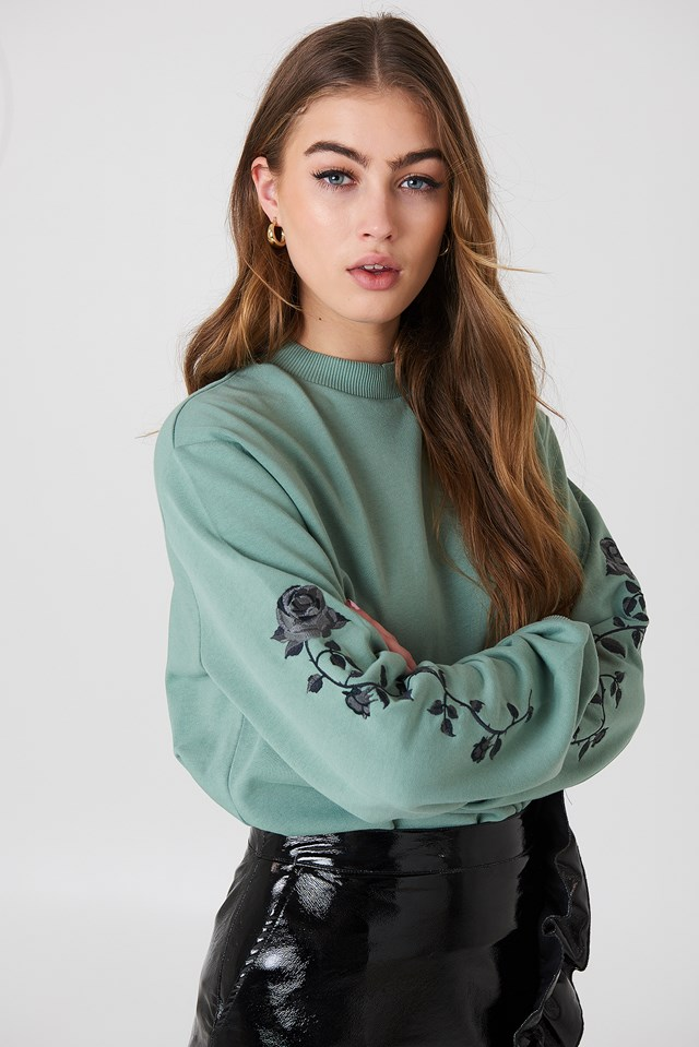 Rose Embroidery Sleeve Sweater Duck Green