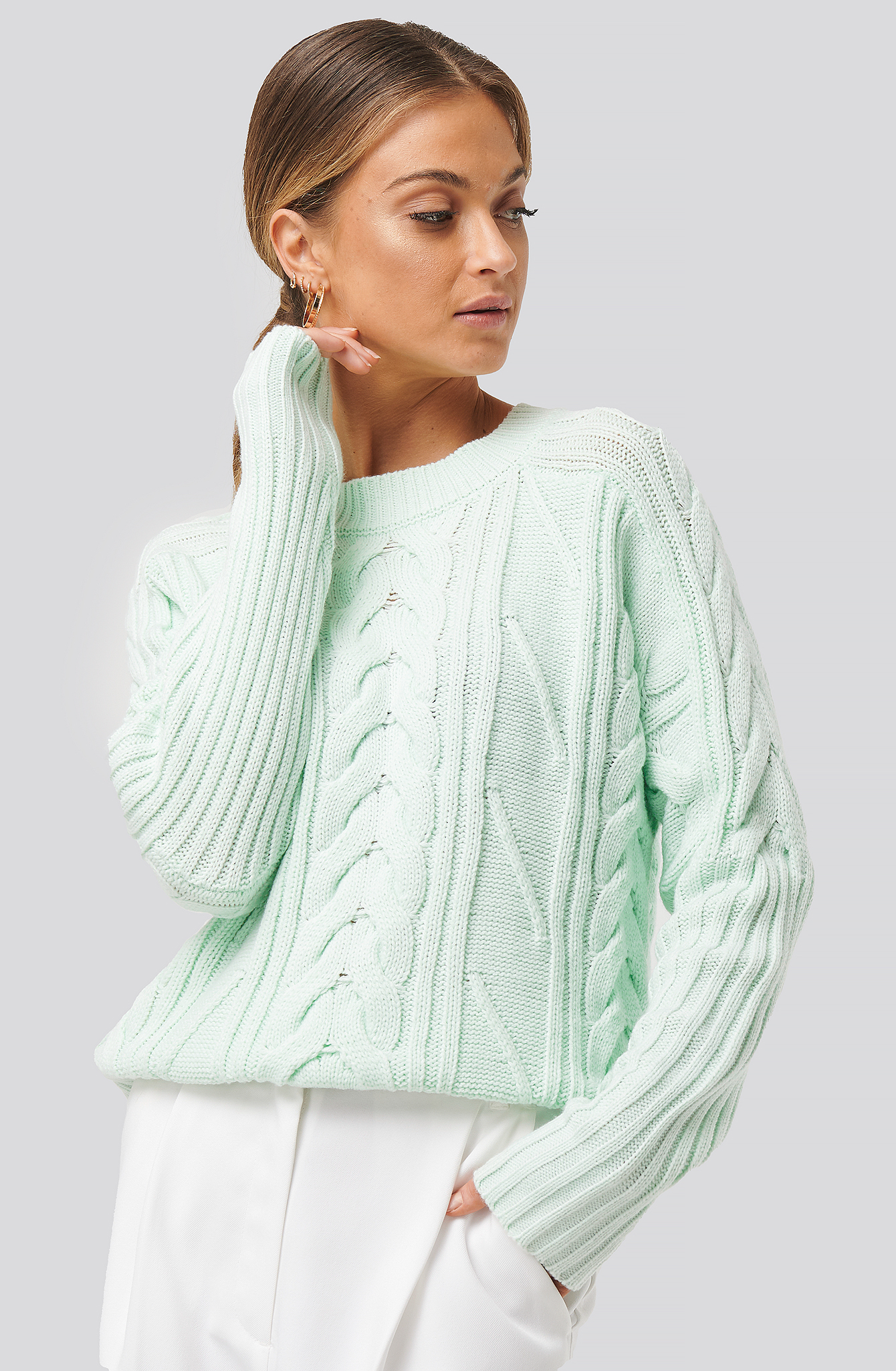 na-kd -  Round Neck Cable Knitted Sweater - Green
