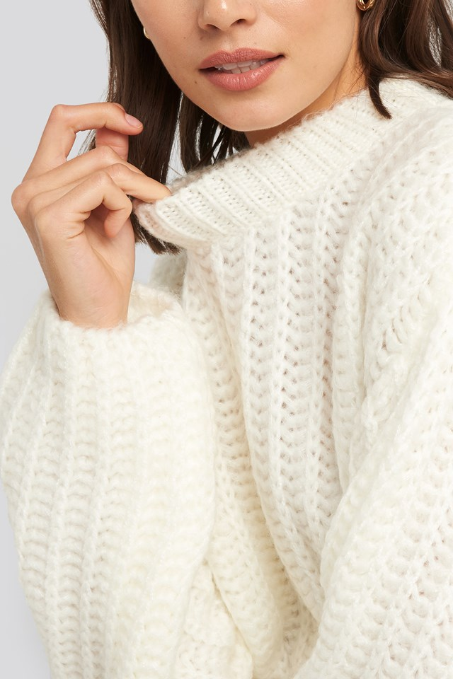 Round Neck Heavy Knit Sweater Offwhite