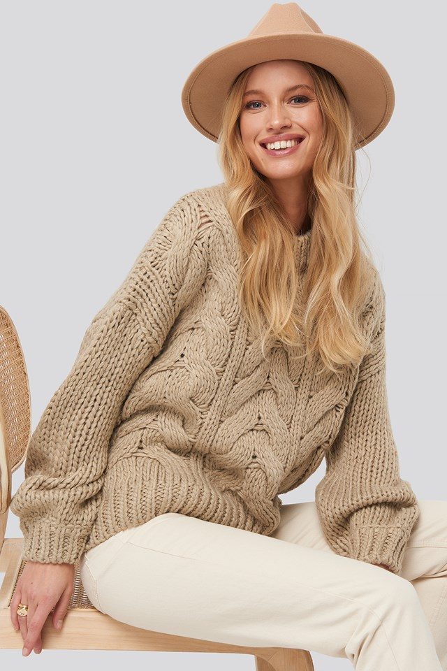 Wool Blend Round Neck Heavy Knitted Cable Sweater Beige
