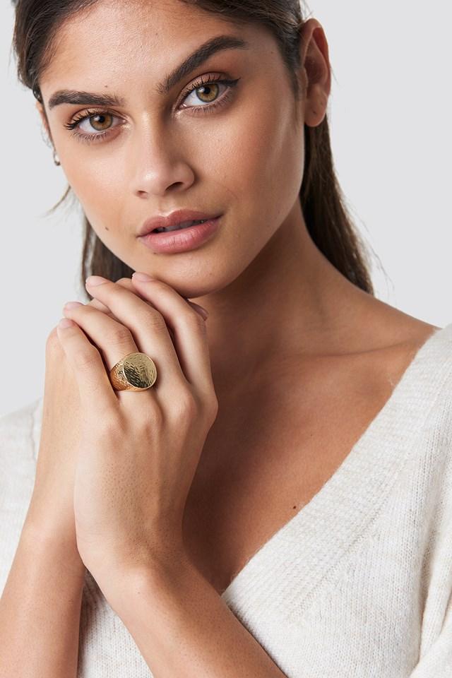 Round Signet Ring Gold