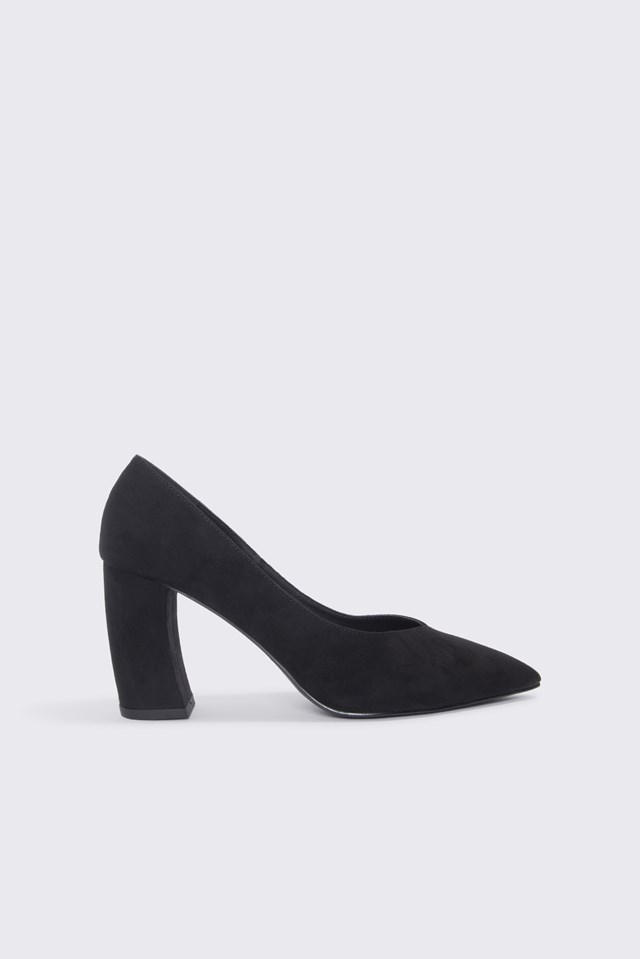 Rounded Heel Pumps Black