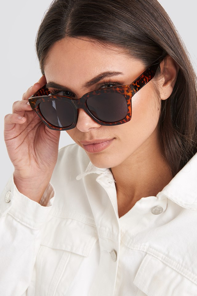 Rounded Squared Sunglasses Tortoise