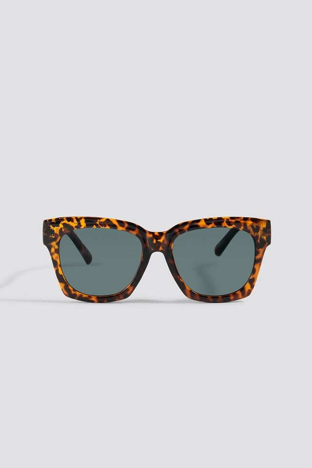 Rounded Squared Sunglasses Tortoise