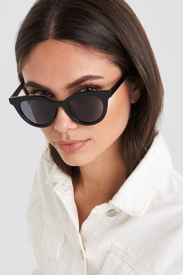 Rounded Top Edge Sunglasses Black