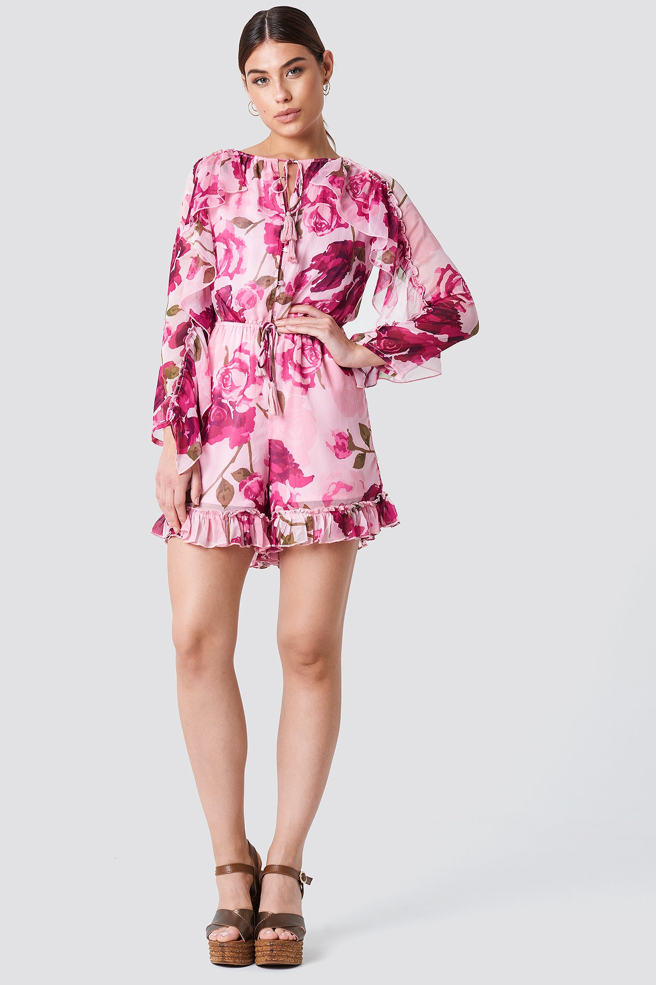 NA-KD Ruffle Sleeve Playsuit -