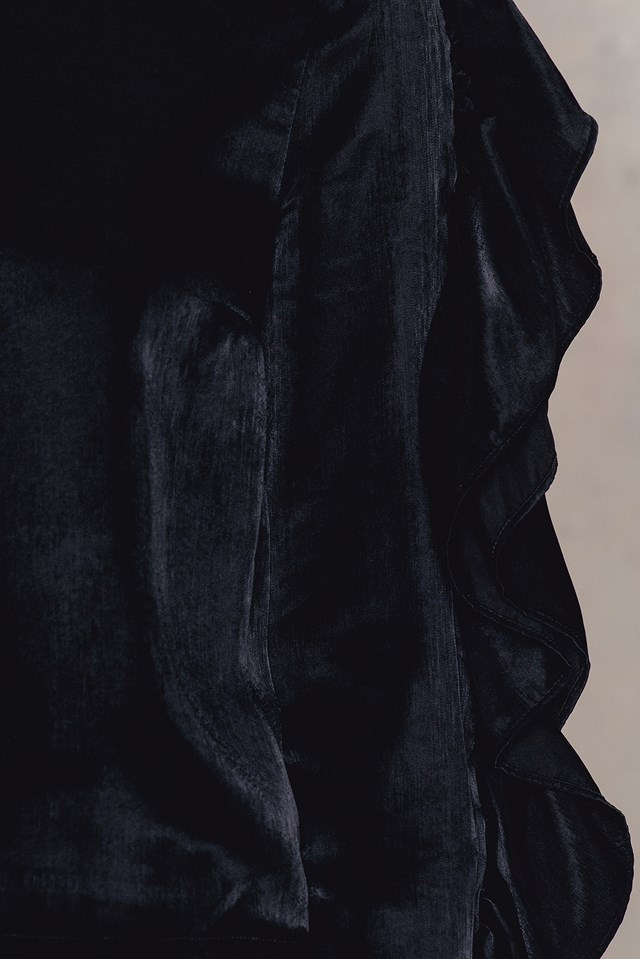 Ruffle Sleeve Top Black