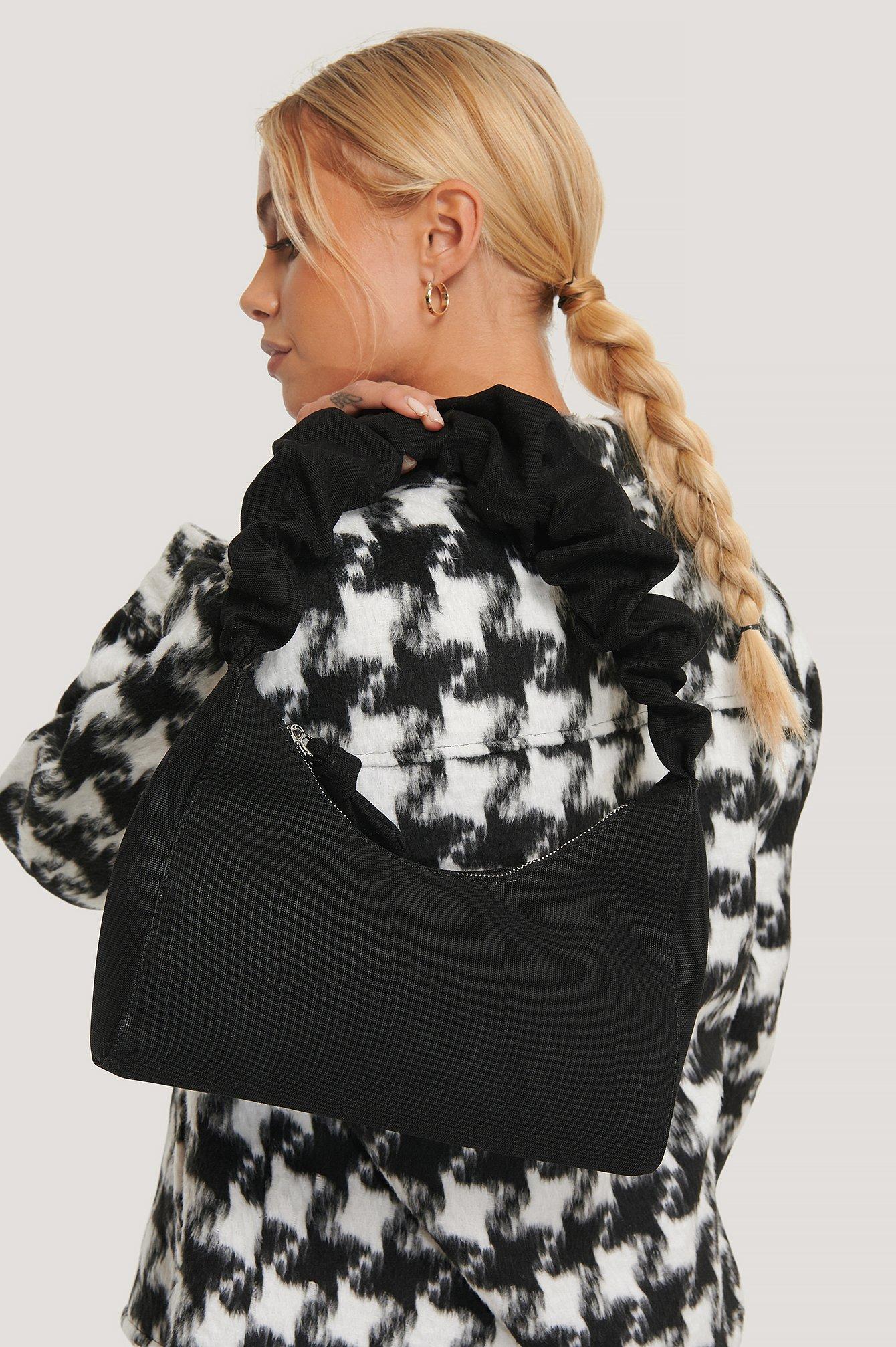 na-kd accessories -  Baguette-Tasche Mit Rüschenträgern - Black