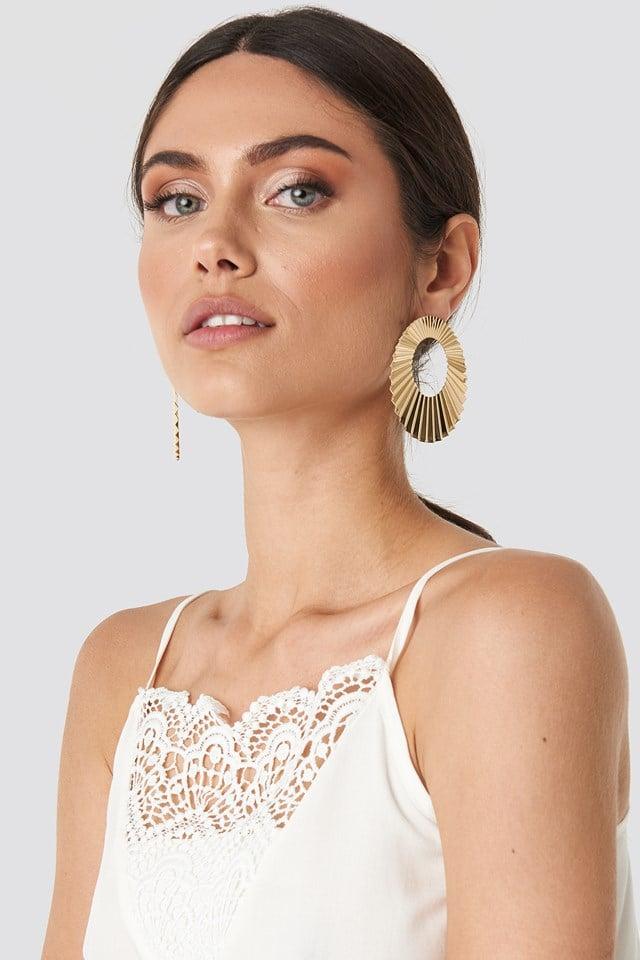 Ruffled Shield Earrings Gold