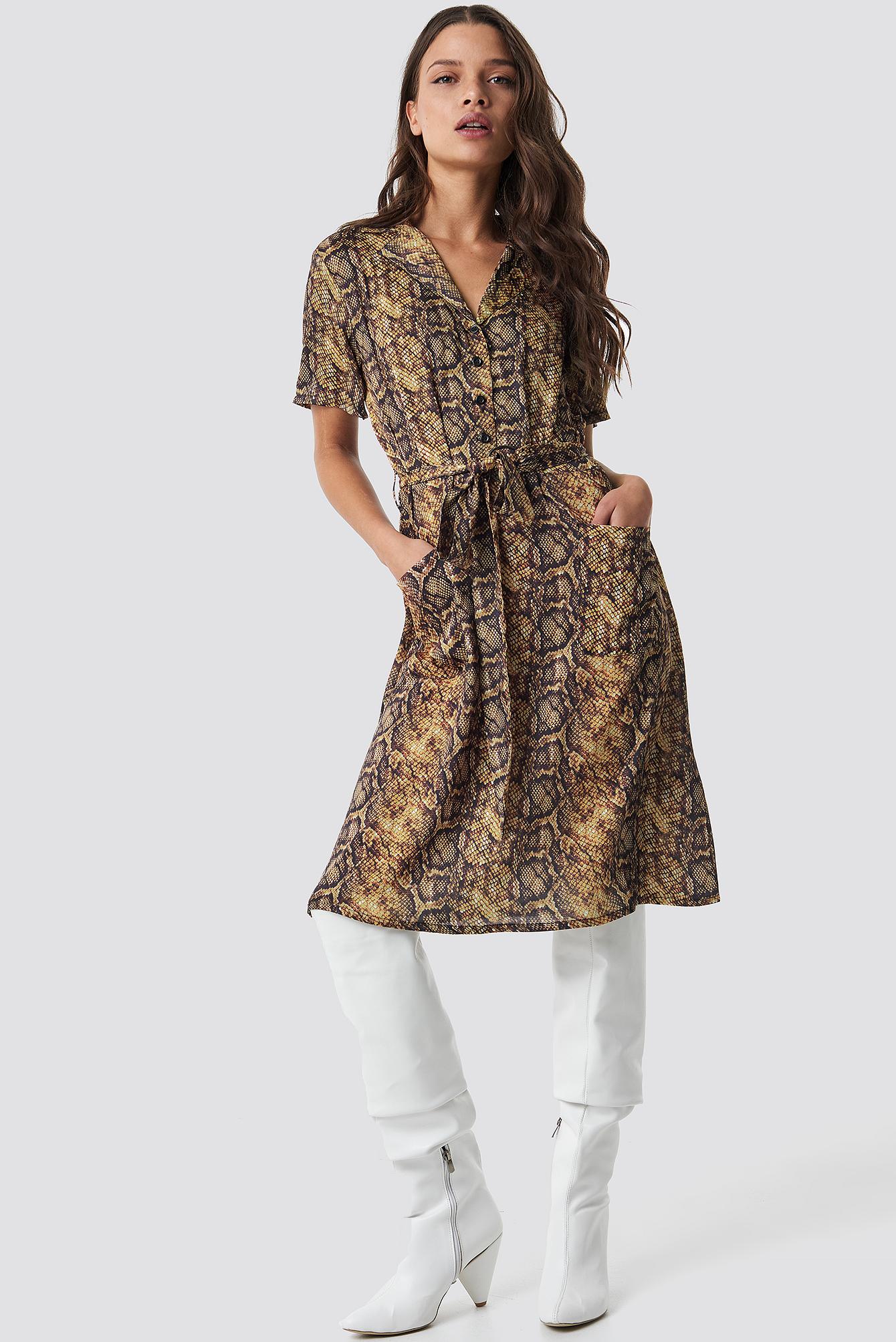 na-kd trend -  Snake Print Belt Satin Dress - Beige,Multicolor