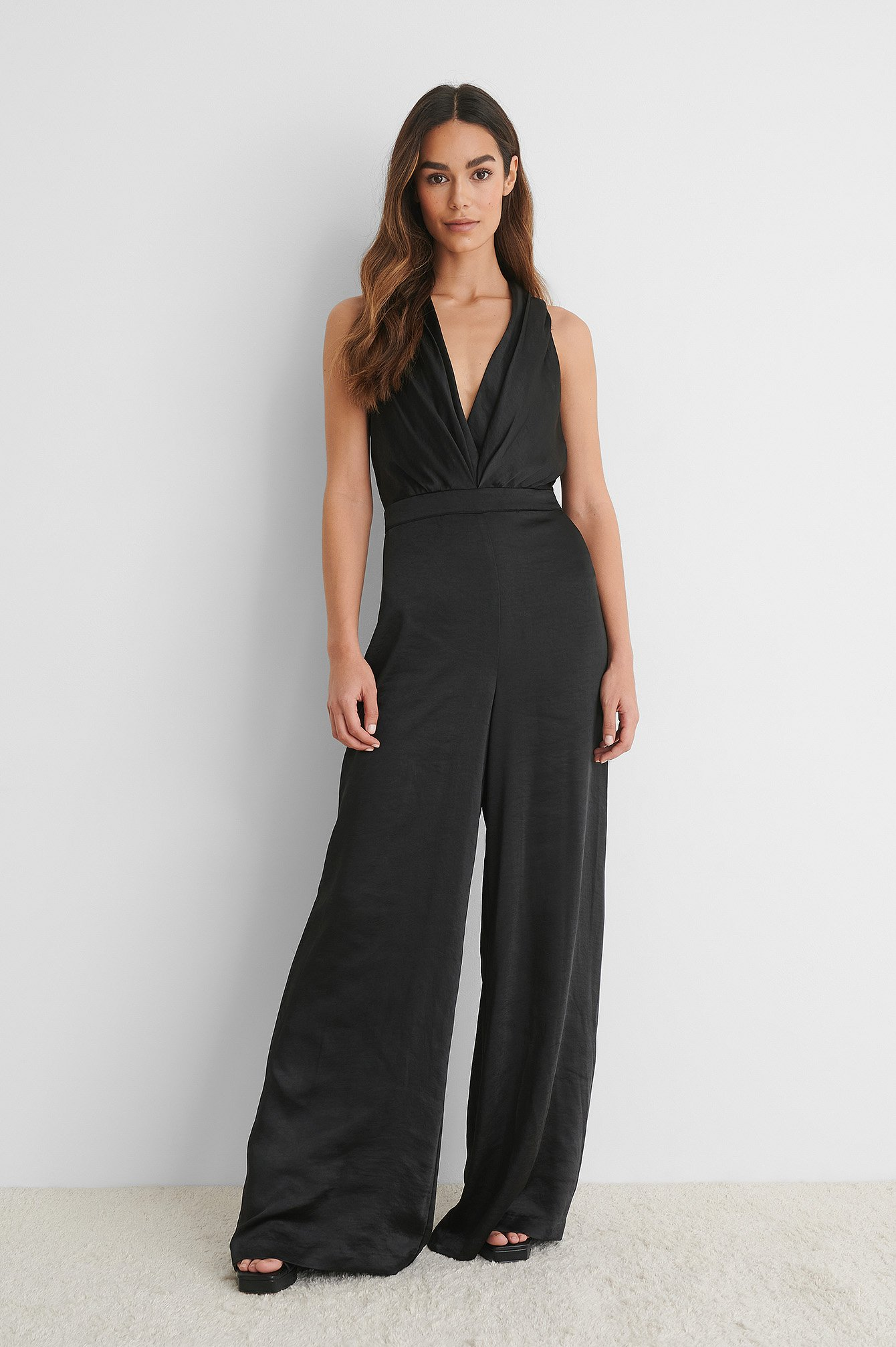 Black Satiini-Jumpsuit