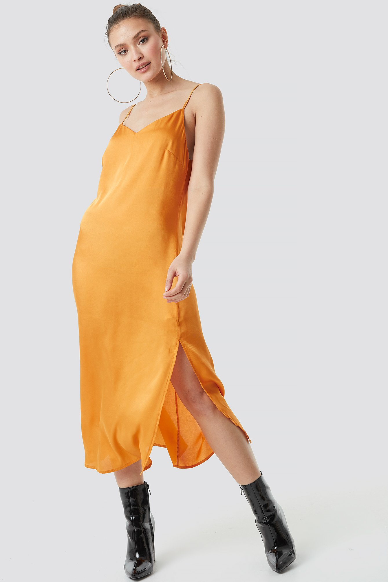 na-kd -  Satin Slip Dress - Orange