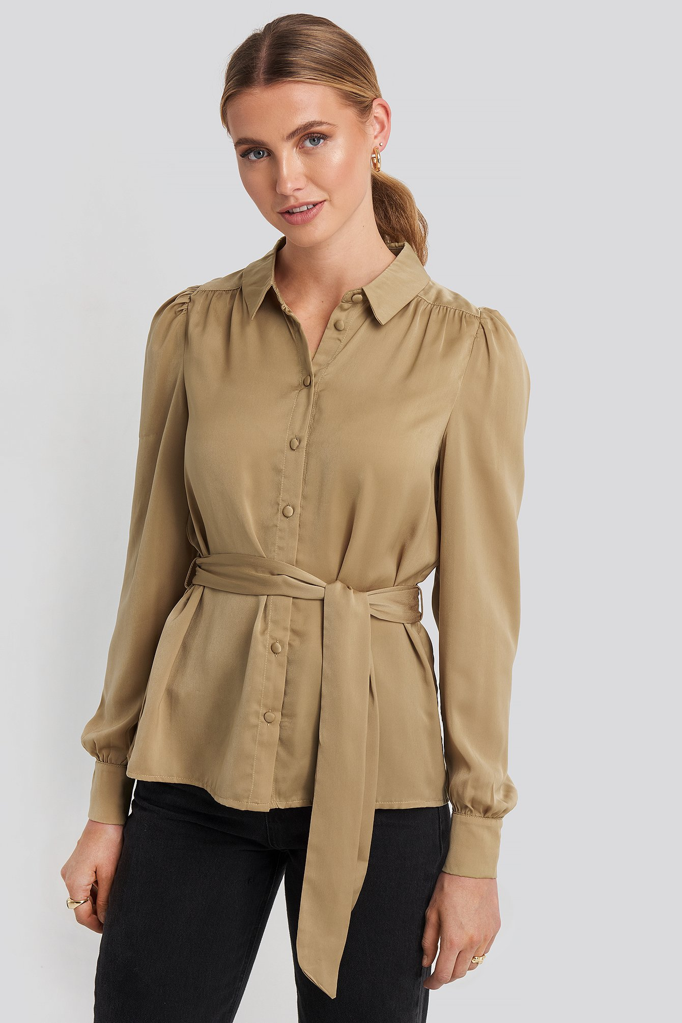 na-kd party -  Satin Waistband Blouse - Beige,Gold