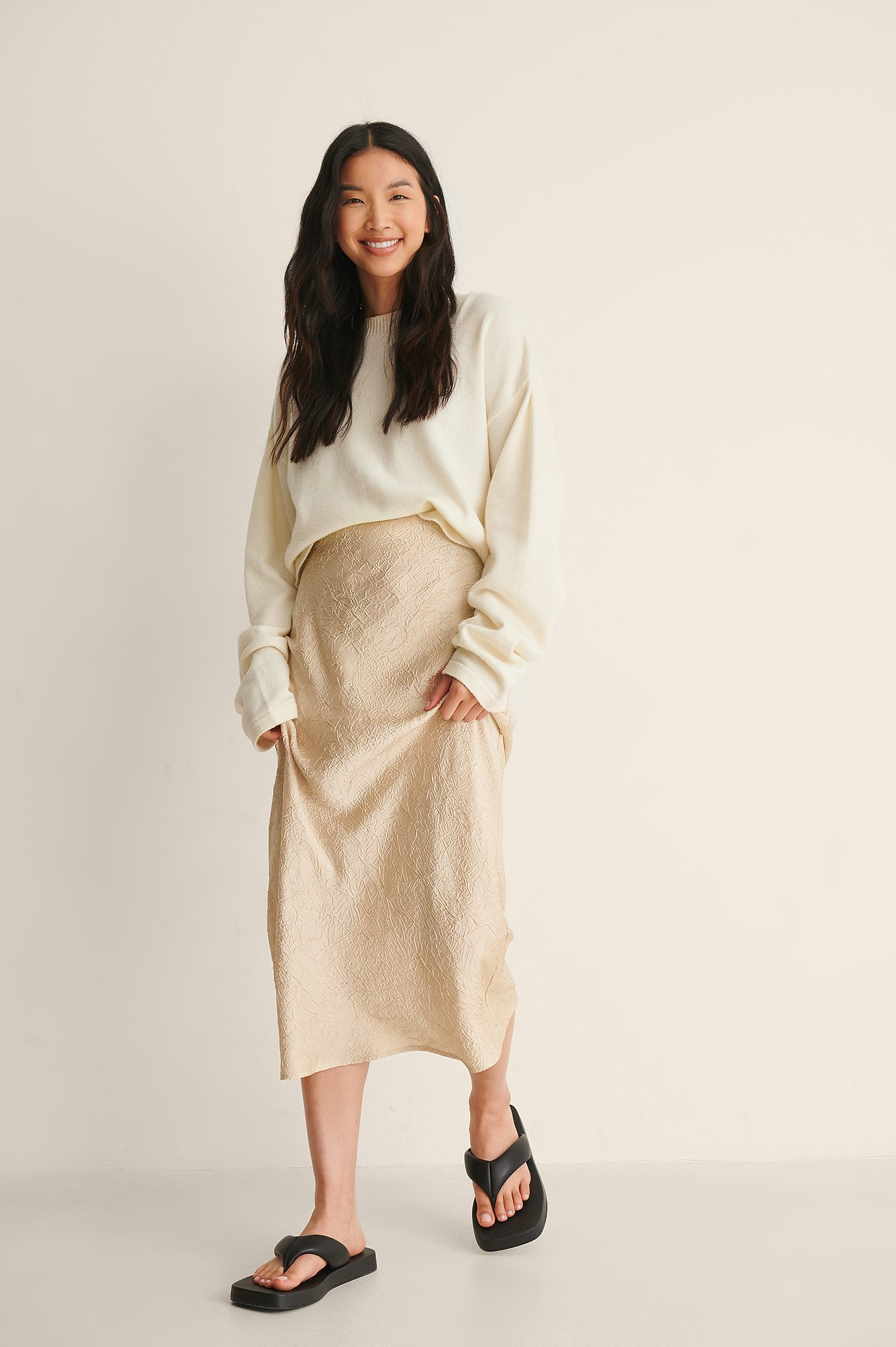 na-kd classic -  Satin Wrinkle Skirt - Beige