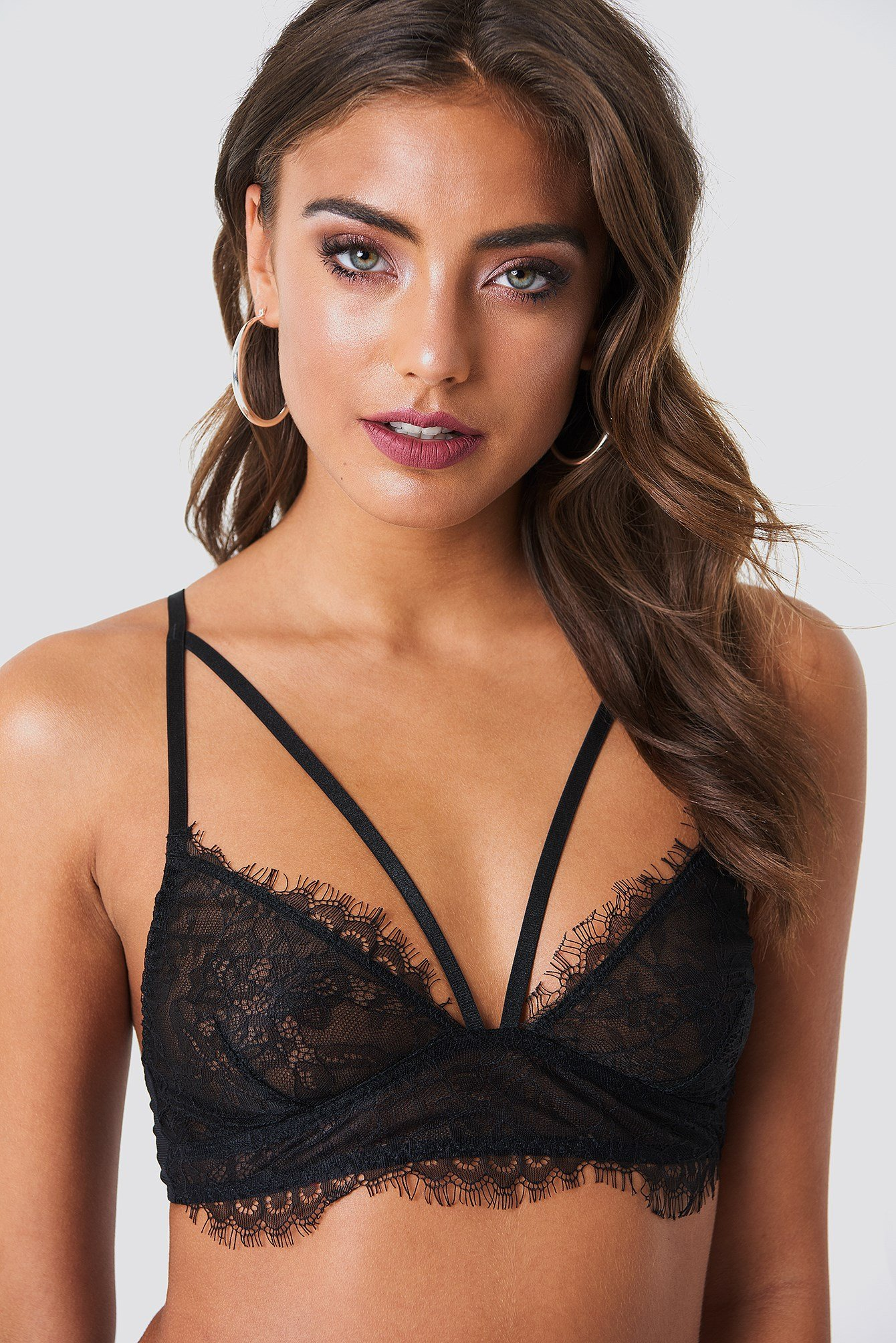 Scalloped Lace Strap Bra NA-KD.COM