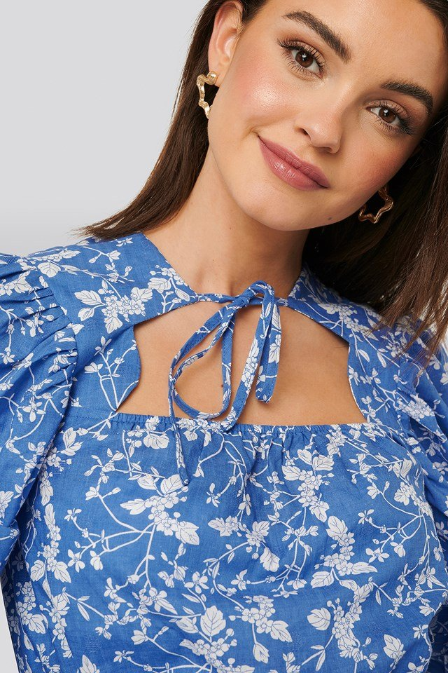 Scalloped Neckline Blouse Blue Flower