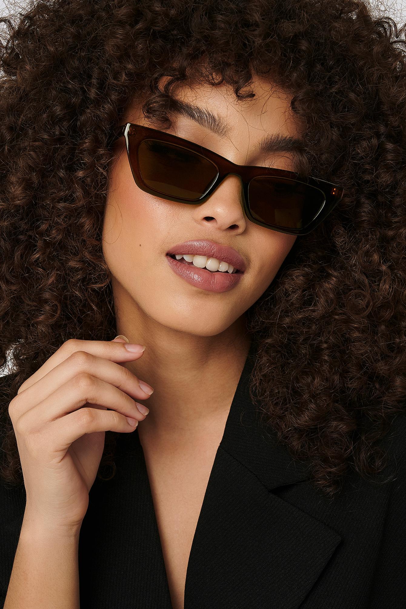 na-kd accessories -  Sharp Edge Slim Sunglasses - Brown