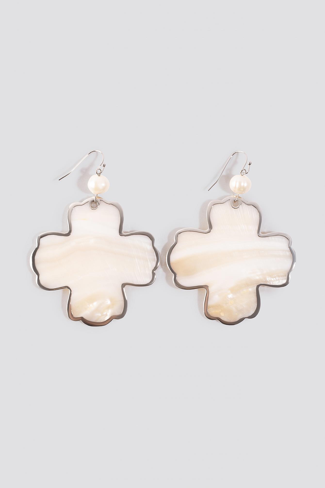 Shell Flower Earrings NA-KD.COM